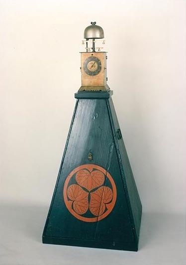 二挺天符目覚付袴腰櫓時計(江戸時代)