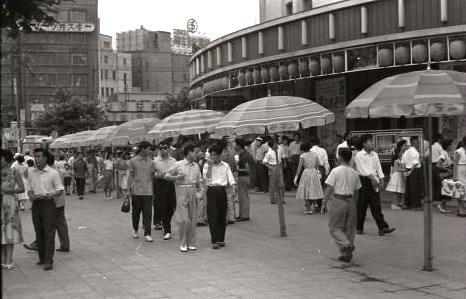 1956年(昭和31年)の東京有楽町の町並み