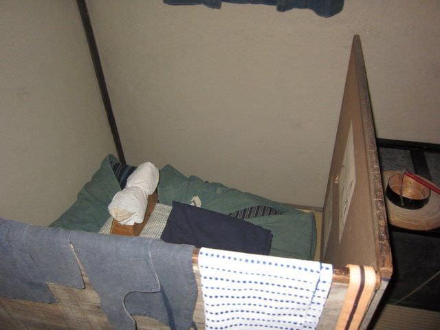 衝立で隠していた江戸時代の布団