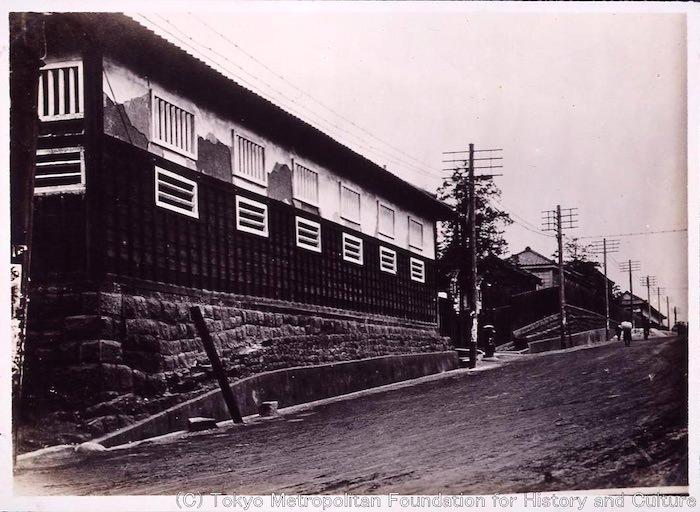 尾張藩の下屋敷裏長屋の古写真