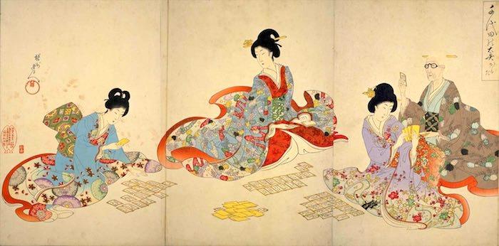 御台所(画像中央)が女中たちとカルタで遊んでいる様子(『千代田之大奥』「かるた」揚洲周延 画)