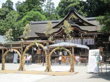 奈良県の大神神社での夏越の大祓