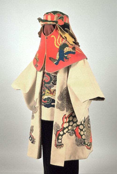 徳川宗春所有の火事羽織とセットの頭巾も真っ赤