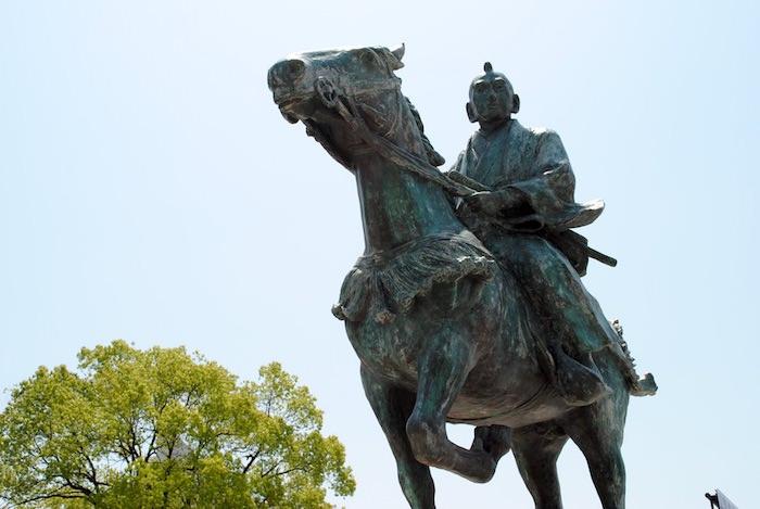 八代将軍・徳川吉宗の像(和歌山県立近代美術館)