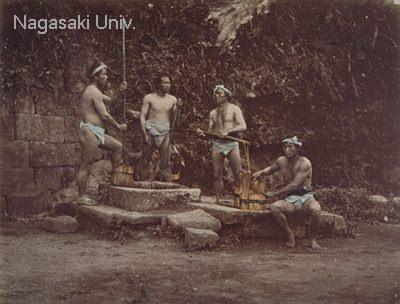 明治時代に撮影されたふんどし姿の男性たち