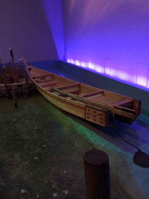 江戸時代の猪牙舟(ちょきぶね)(深川江戸資料館 再現)