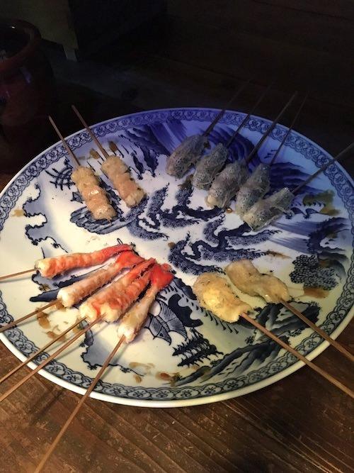 エビ、こはだ、イカ、穴子などは江戸時代の天ぷらネタの定番(深川江戸資料館 再現)