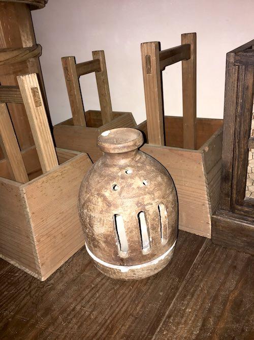 瓦灯は江戸時代の照明器具(深川江戸資料館 再現)