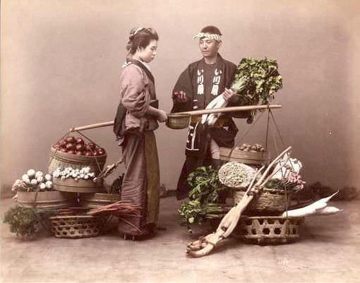 野菜の棒手振り写真(明治時代 撮影)