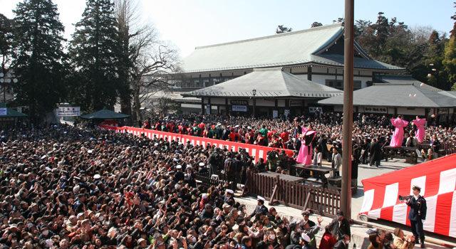 現代の成田山新勝寺の節分会