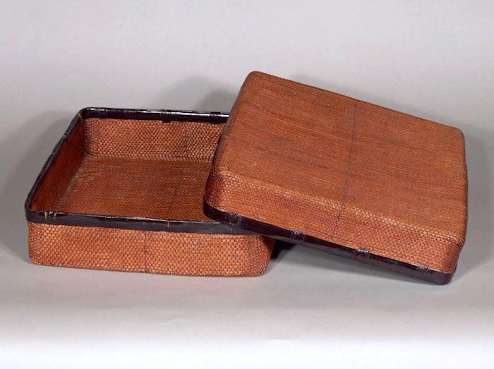 正倉院の宝物庫に収蔵されている葛籠(つづら)